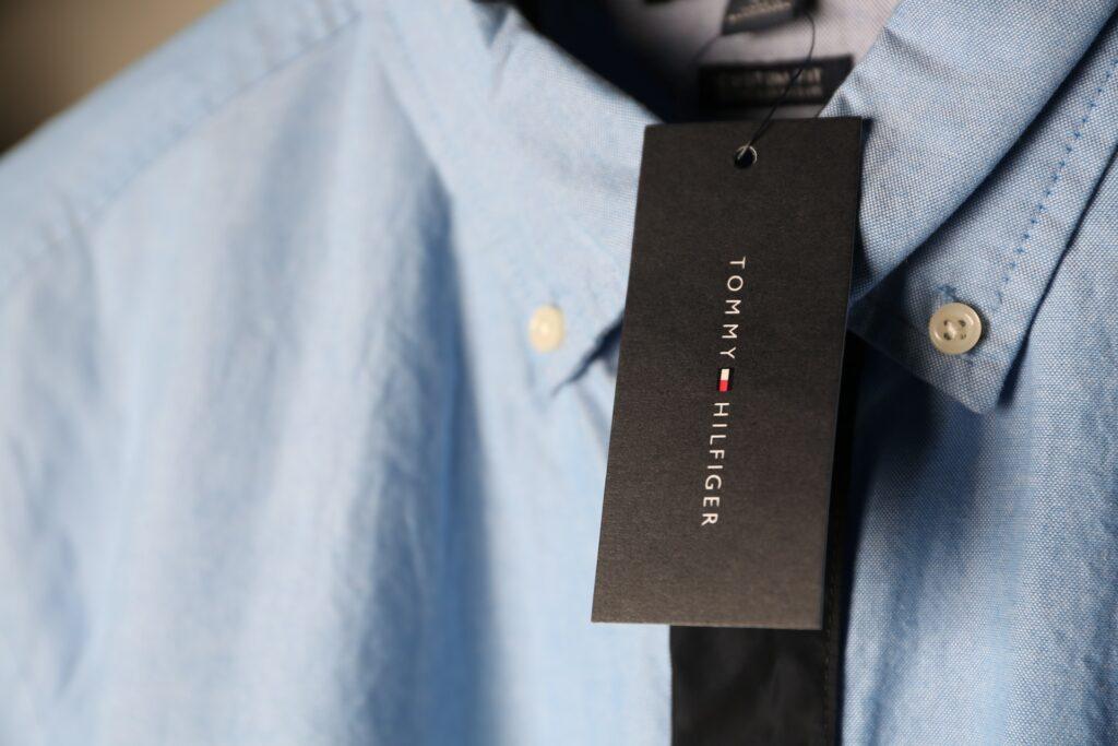 Tommy Hilfiger. Фото автора Joe Gutierrez: Pexels